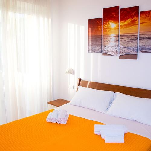family residence nuova orchidea die liste der serviceleistungen des family residence nuova. Black Bedroom Furniture Sets. Home Design Ideas